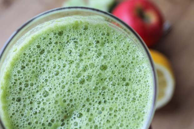 Drinking a smoothie a day keeps the doctor away! This Detox Green Smoothie is a fresh, banana free option that is bursting with vitamins and minerals.