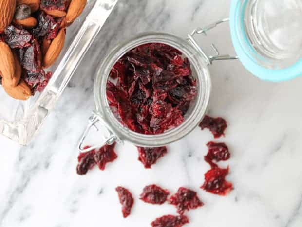 How to Make Dried Cranberries